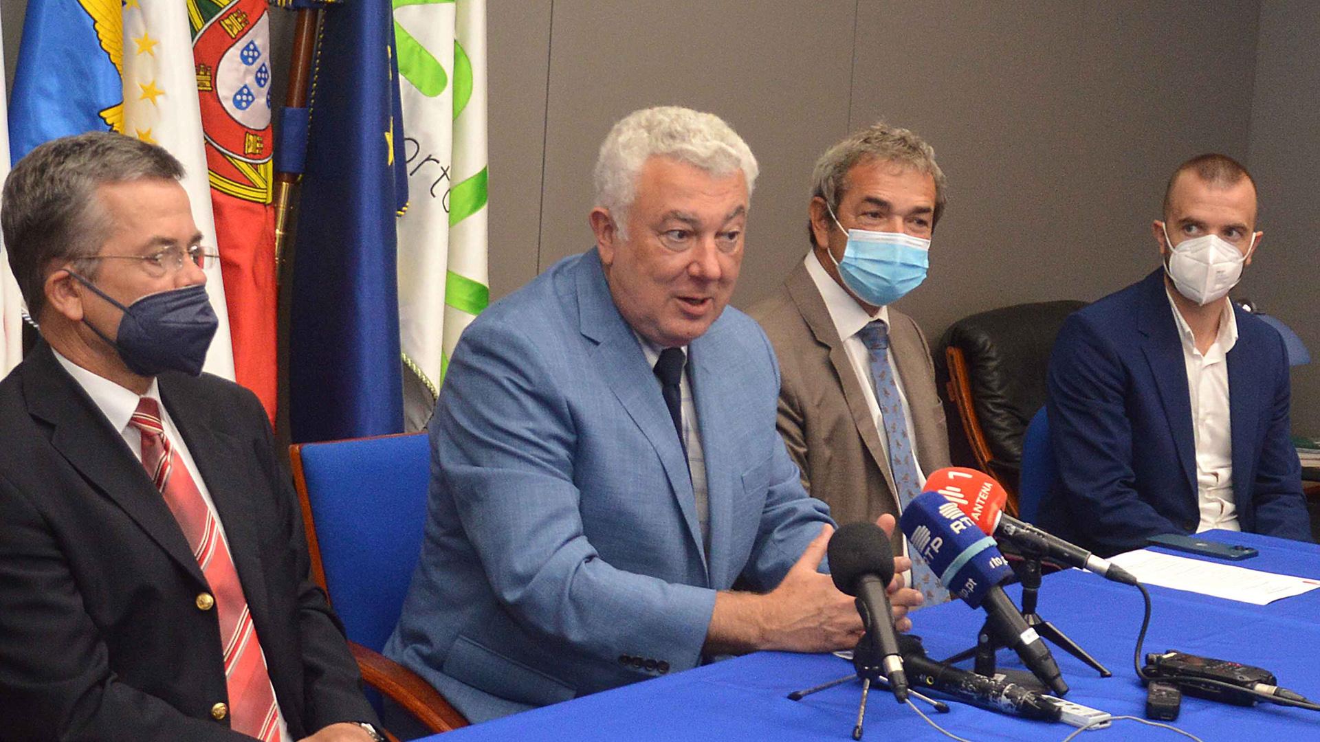 Conferência de imprensa sobre as novas rotas áreas para os Açores.