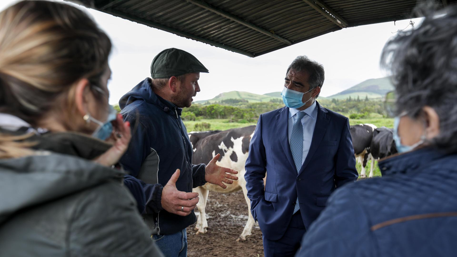Visita a exploração agrícola de Emanuel Fontes