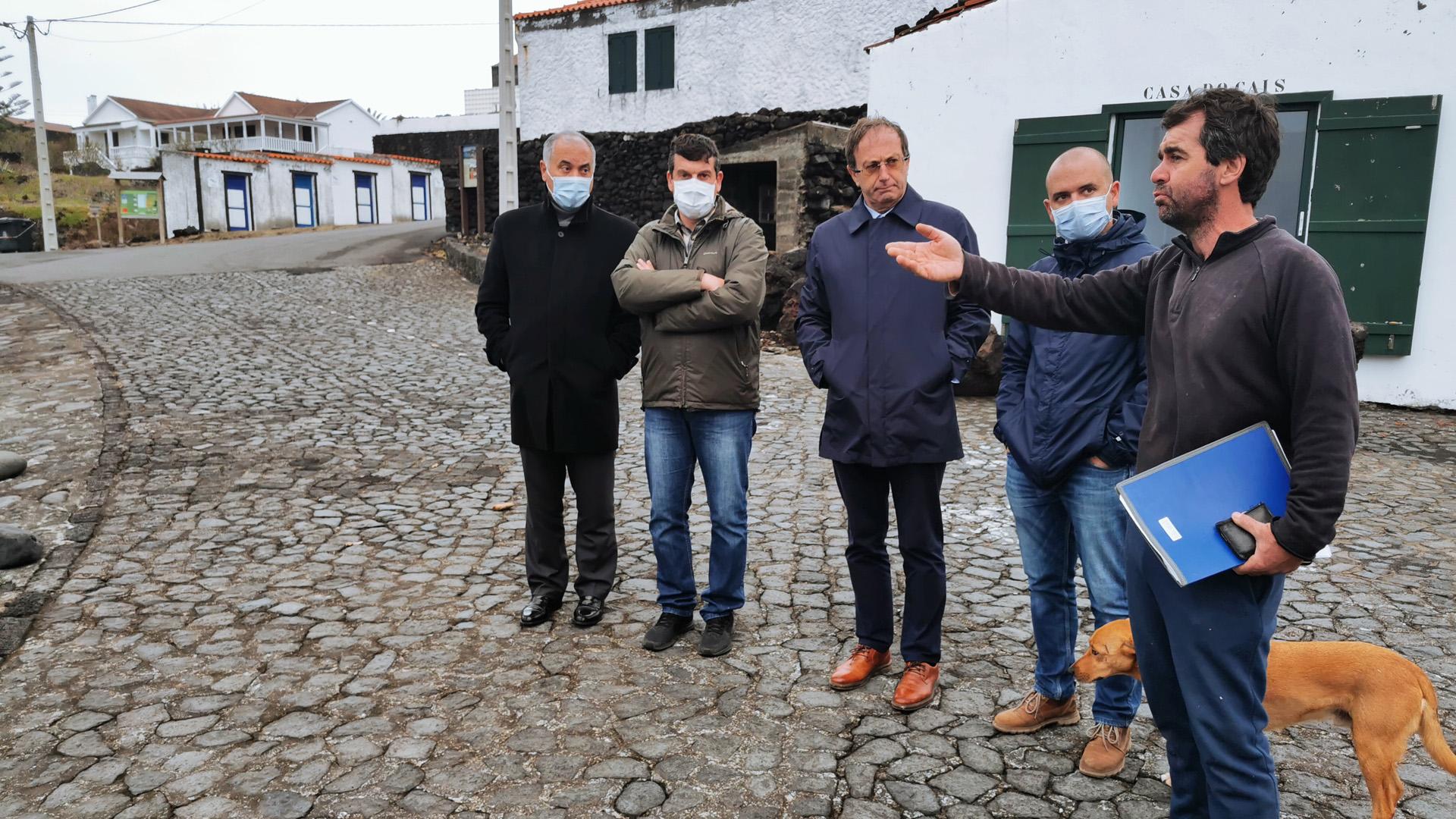 Visita obras em curso de recuperação dos prejuízos causados pelo furacão Lorenzo
